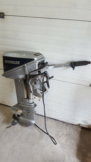 1988 Evinrude 9.9 Electric Start Photo 1 of 1