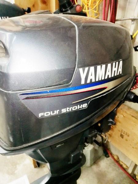 2010 Yamaha F9.9YSMH Photo 1 of 2