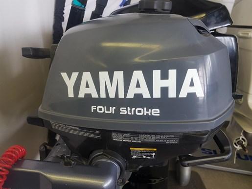 2002 Yamaha 2.5HP 4STK Photo 2 of 4