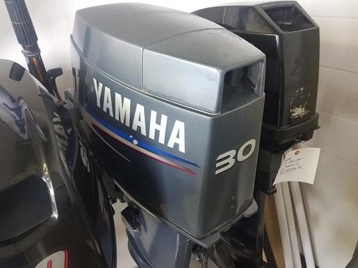 2002 Yamaha 30 MLHA Photo 1 of 7
