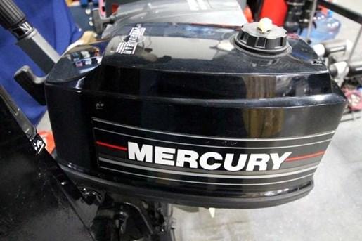 1991 Mercury 5 HP Photo 1 of 4