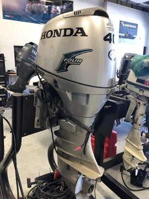 2005 Honda 40