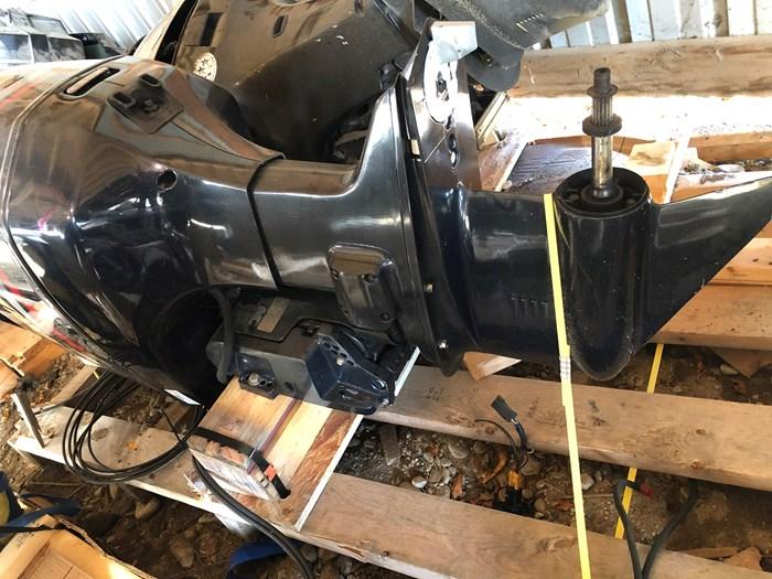2000 Evinrude E225FPLSSC/parts only Photo 2 sur 3