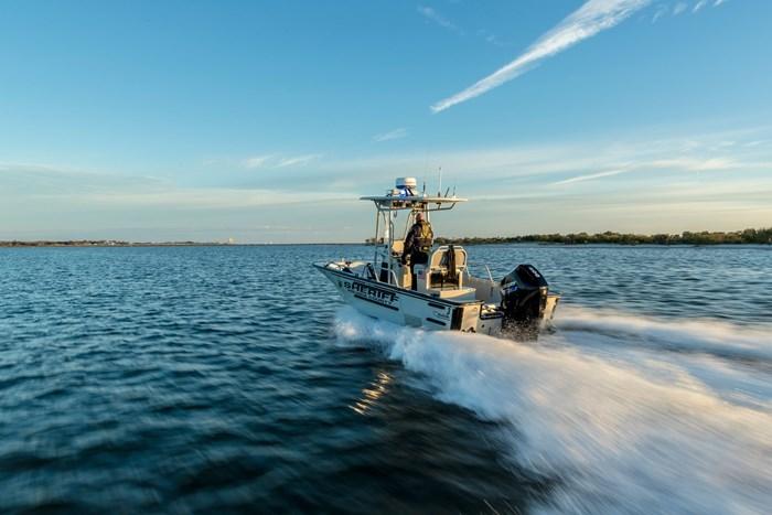 2021 Mercury 200CXL V-6 4-Stroke SeaPro Commercial Outboard Photo 18 of 18