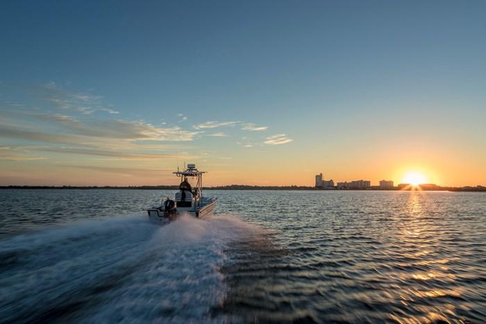 2020 Mercury 200XL V-6 4-Stroke SeaPro Commercial Outboard Photo 17 of 22