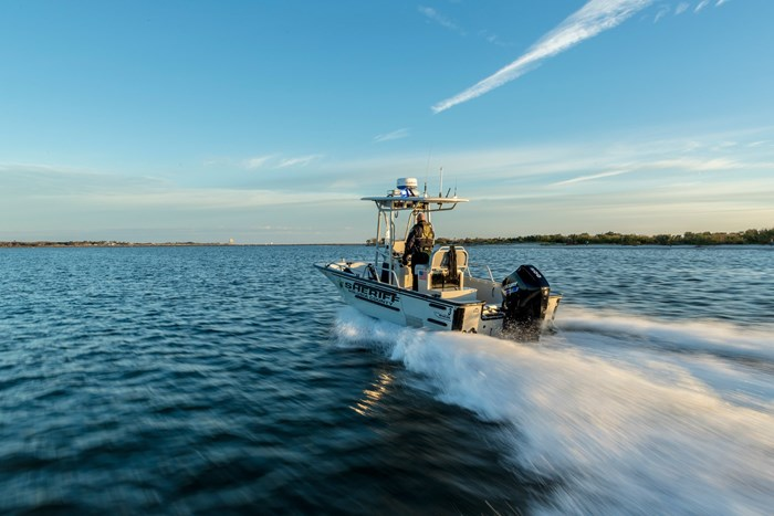 2020 Mercury 200XL V-6 4-Stroke SeaPro Commercial Outboard Photo 18 of 22