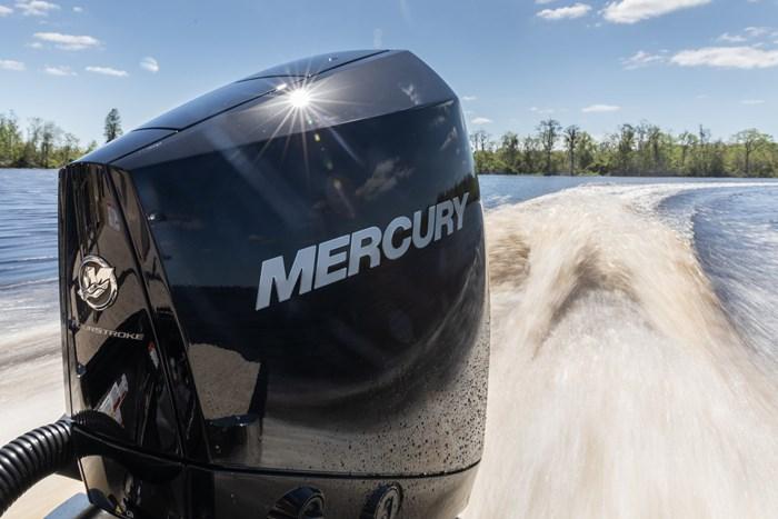 2021 Mercury 300XL V-8 4-Stroke Photo 12 of 26