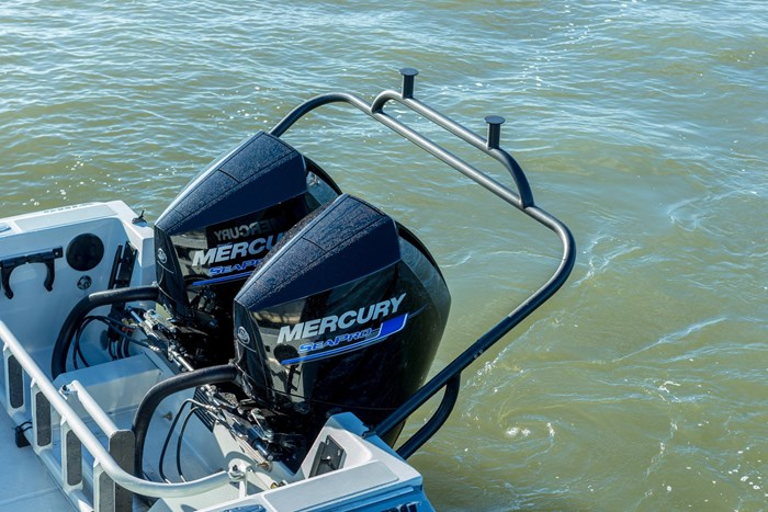 2020 Mercury 225CXL V-8 4-Stroke SeaPro DTS Commercial Outboard Photo 15 of 17