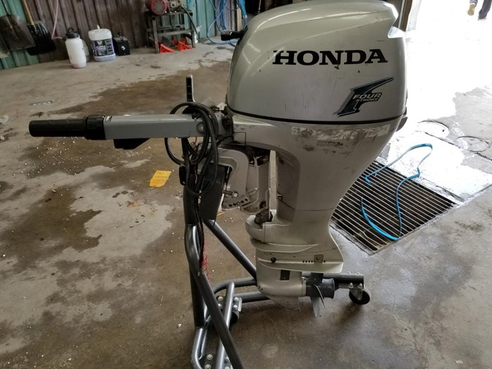 2004 Honda 9.9 HP Outboard Photo 1 of 4