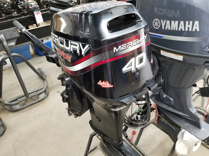 2004 Mercury 40 HP Outboard Photo 2 of 4