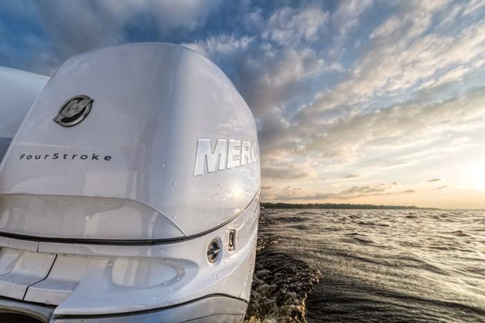 2021 Mercury 350CXXL Verado 4-Stroke Cold Fusion Photo 10 of 13