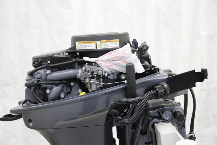 2019 Yamaha Moteur hors-bord YAMAHA 9.9 HP HIGH THRUST Photo 8 of 9