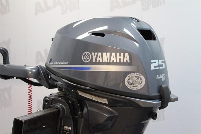 2020 Yamaha Moteur hors-bord YAMAHA 25 HP Photo 2 of 5
