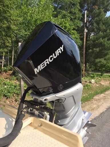 2018 Mercury 300 V8 Verado XXL Photo 3 of 4