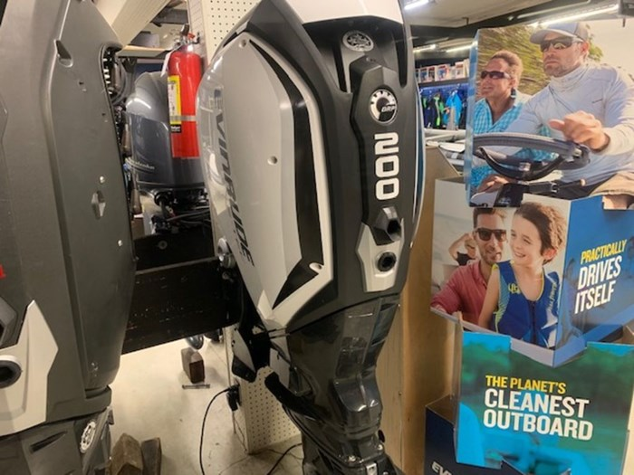 2020 Evinrude Twin 200 iDock Package Photo 2 sur 5